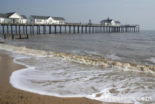 1048_02_46---Southwold-Pier--Suffolk--England_web.jpg